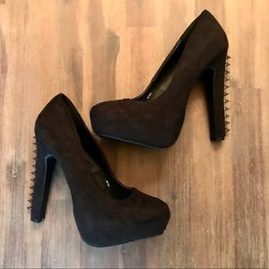 3/30$ New Charlotte Russe Heels With Spikes